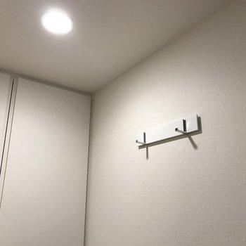 ここに飾るものでお部屋の印象が決まるかも。※写真は2階の同間取り別部屋のものです