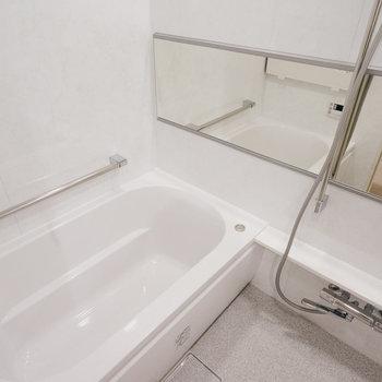 お風呂もゆったりサイズです。