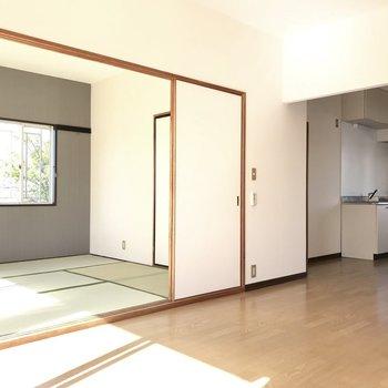 続いて和室へ!※写真は1階の同間取り別部屋のものです。