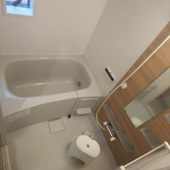 機能性とデザイン性を兼ね備えた浴室◎※写真はクリーニング前のものです