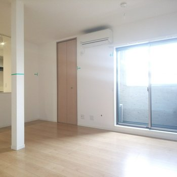 【LDK】淡い色の家具が合いそう!※写真はクリーニング前のものです