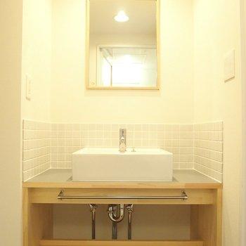 【洗面台】毎朝この洗面台で支度するのが楽しくなりそう!