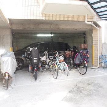 【駐輪場】駅までは自転車あると便利ですね!