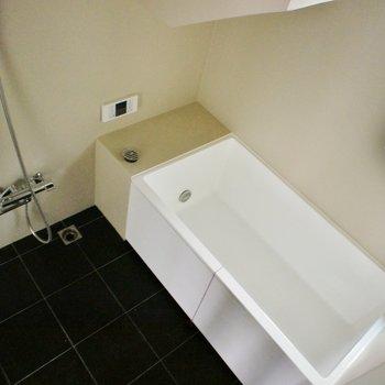 シンプルでクールなデザインのお風呂!※写真は前回募集時のものです