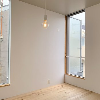 2階も正方形のお部屋です! ※写真は前回募集時のものです