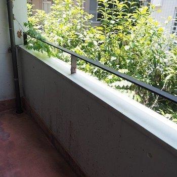 一つ目のベランダ※写真は2階同間取り別部屋のものです。