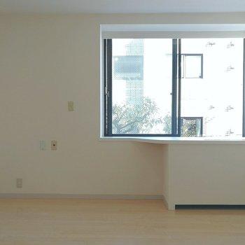窓がひとつ。シンプルな造りです