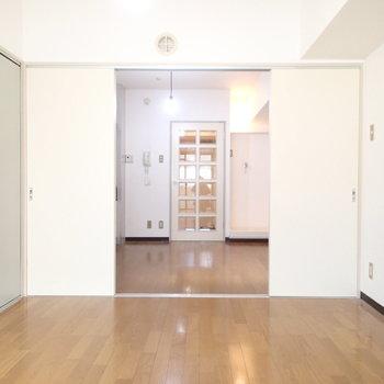 2つの部屋がすっーっと※写真は9階の同間取り別部屋のものです