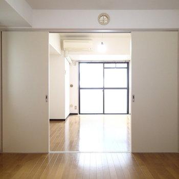 風通しの良い角部屋!※写真は9階の同間取り別部屋のものです