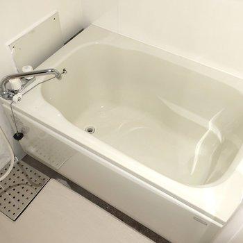 ゆったりめの浴槽が嬉しいなっ♪