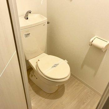 トイレはウォシュレットはないんです、、、