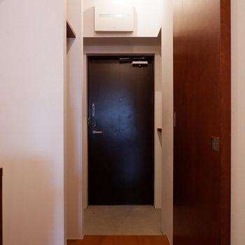 玄関スペースも十分です。