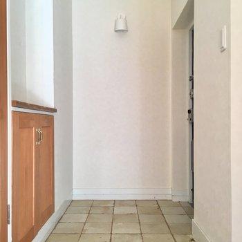 玄関も広いのです(※写真は清掃前のものです)