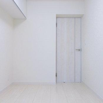 【洋室4.6帖】大きくなったら隣の部屋と模様替え。