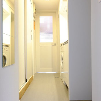 玄関から廊下まですべて新品☆※写真はモデルルームです。