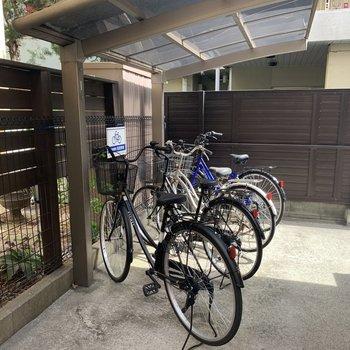 自転車置き場、完備です