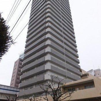 30階建ての駅近タワーマンション。