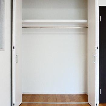 収納ぱかっと。※写真は2階の同間取り別部屋のものです