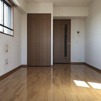 日向ぼっこしたくなっちゃう。※写真は10階の同間取り別部屋のものです