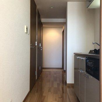 フローリングすてき◎※写真は10階の同間取り別部屋のものです