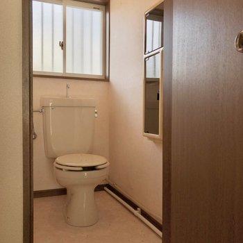 トイレは換気ができますよ。