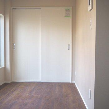 こちらはキッチンがあるお部屋です