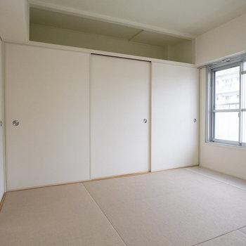 こちらは寝室にするのがオススメの、和室です。