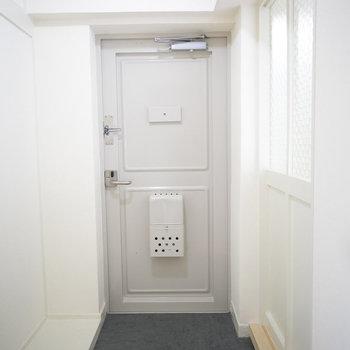 玄関のシューズクローゼットはお好きなものをご用意ください。