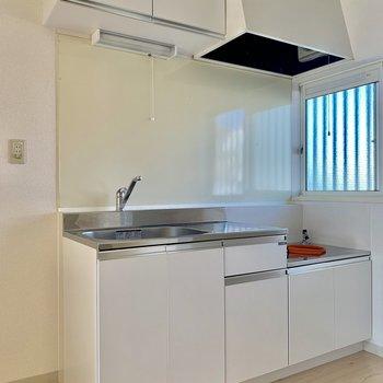収納スペースもしっかりあるキッチン