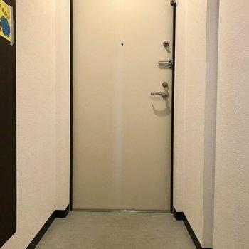 玄関はこんな感じ。※同間取り別部屋です