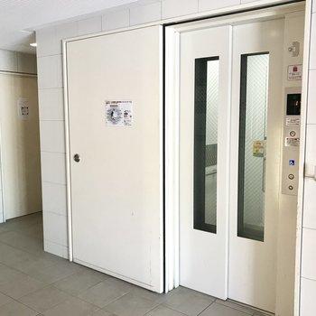 エレベーターは1基のみ!