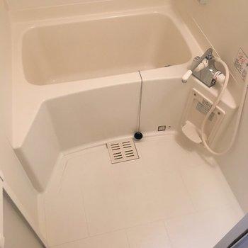 きれいなお風呂(※写真は同建物同間取りの別部屋のものです)