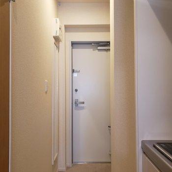 玄関スペースにはお気に入りの写真を掛けて。※写真は3階の同間取り別部屋のものです