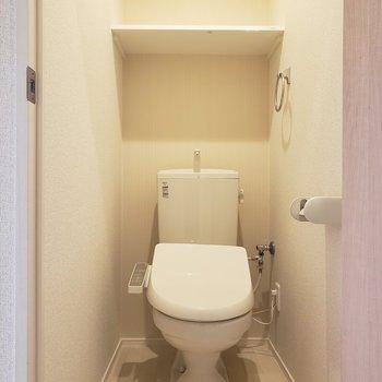 トイレの神様、きっと降りてくる。※写真は3階の似た間取り別部屋のものです