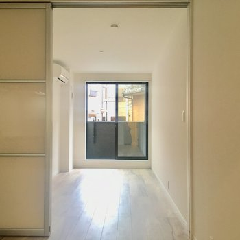 【DK】洋室とは引き戸で仕切ります。