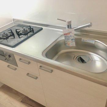 【DK】グリル付きのキッチン。作業スペースはコンパクトめです。