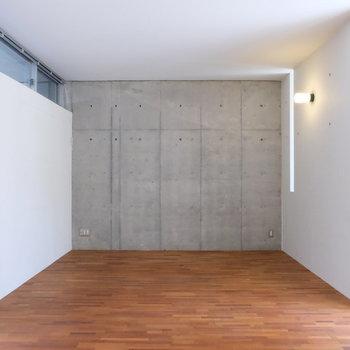 窓の位置が絶妙※写真は同じ間取り3階別部屋のものです