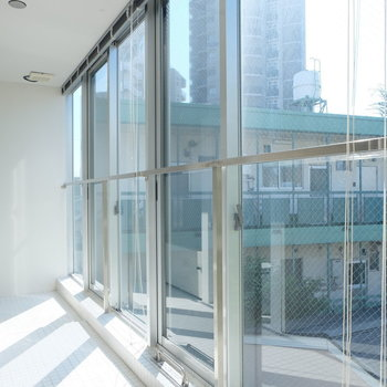全面窓!!!※写真は同じ間取り3階別部屋のものです