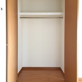 お部屋の収納、たっぷり入ります。※写真は11階の同間取り別部屋のものです