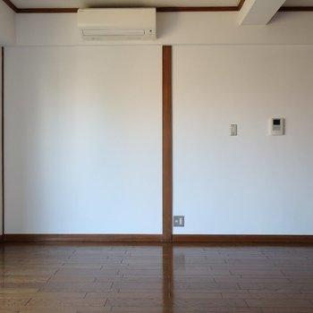 【リビング】ダイニングテーブルとテレビはここかなぁ※写真は前回募集時のものです