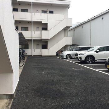駐車場。ご利用頂けますよ。