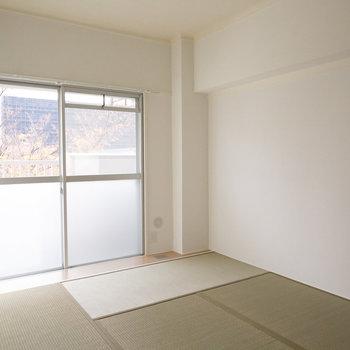 リビングのお隣は、落ち着ける6畳の和室。