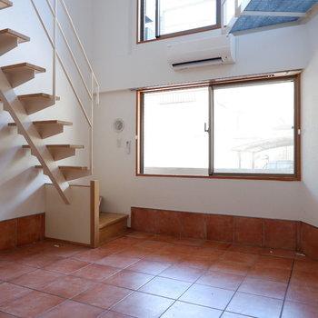 メゾネットって憧れますよね。※写真は1階の同間取り別部屋のものです。