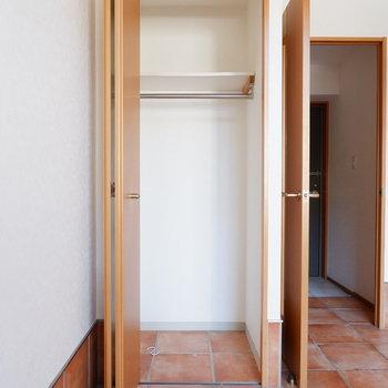 1階にもクローゼット収納が。※写真は1階の同間取り別部屋のものです。