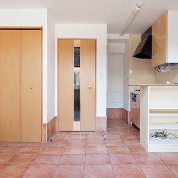 タイル床が可愛い♪※写真は1階の同間取り別部屋のものです。