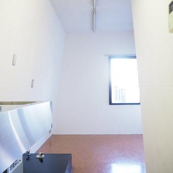 ワンルームのコンパクトなお部屋です。※写真は2階の反転間取り別部屋のものです。