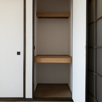 【洋室】ドアの開閉を考えたインテリアの配置をしましょう。