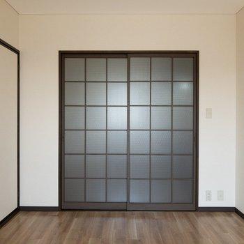 【洋室】左手には和室があります。
