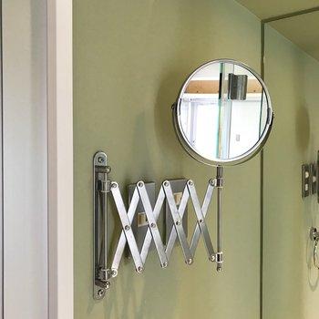 伸縮する鏡もポイント※写真は前回募集時のものです