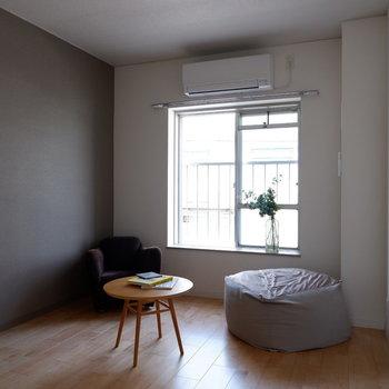 【洋室5.72帖】ベッドだけならダブルサイズもいけそうです。※写真は反転間取り別部屋のものです